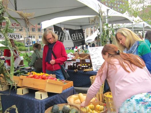 Trang trại Springdell lần đầu tiên tham gia hội chợ Thực phẩm địa phương Boston hôm 7.10.2012. Ảnh: Mai Ngọc Châu